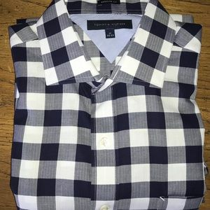 Men's Tommy Hilfiger casual button down shirt